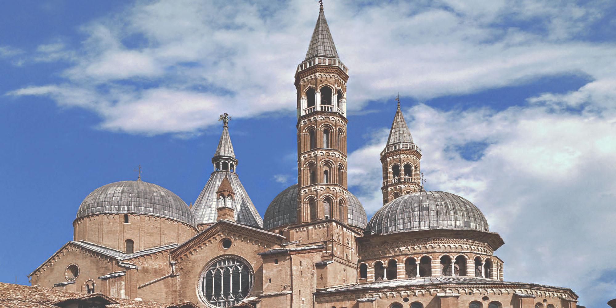 Bazilika-sv-Antuna-2-Slider-1